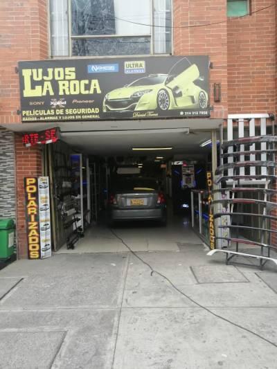 LUJOS LA ROCA | amarilla.co