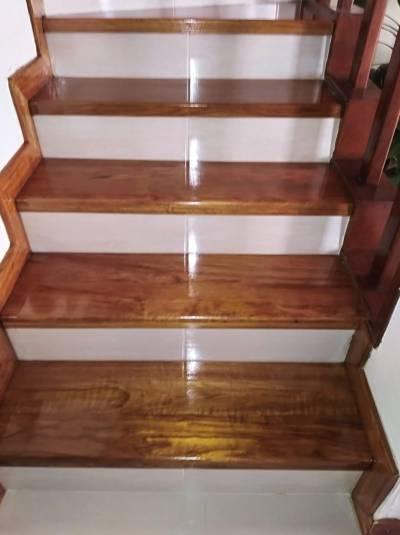 Escaleras en madera   amarilla.co